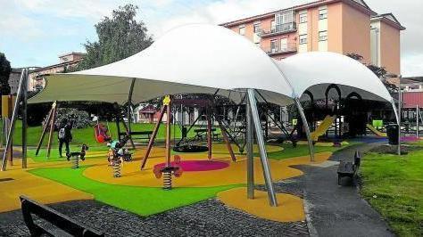 Sombra en parque infantil Av. Pablo Iglesias con c/Clara Sánchez